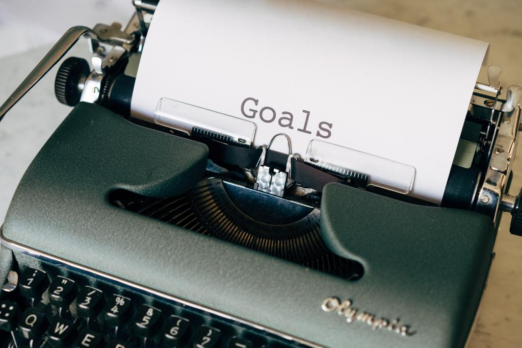 A typewriter as a page with the word, goals, on it.